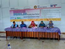 Para pemateri dan moderator saat Diskusi Umum tentang pencegahan kekerasan seksual di Aula Kampus Fak. Tarbiyah Unhasy lantai 3 Tebuireng, Kamis (10/12/2015).