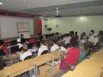 Suasana Diklat KTI di ruang labolatorium komputer PP Madrasatul Qur'an Tebuireng Kamis (11/02/2016)
