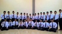 Mudir bidang Pondok, H Lukman Hakim BA. foto bersama peserta usai materi