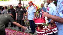 Rombongan TNI menziarahi makam Gus Dur pada HUT TNI ke-71, Selasa (27/09/2016)