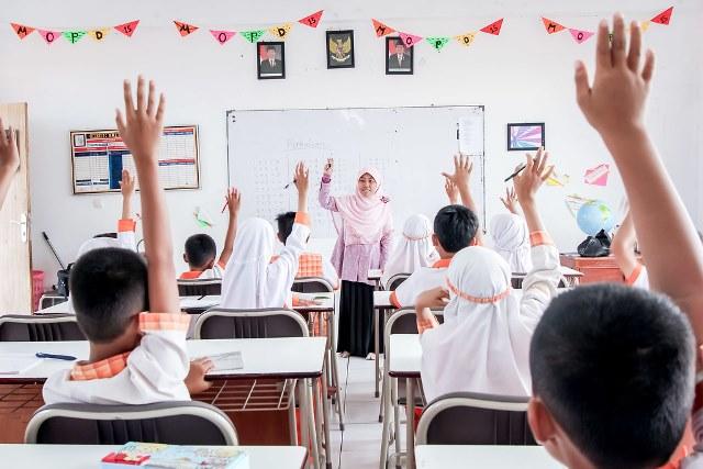 Guru Cerdas Pendidikan Berkualitas Tebuireng Online